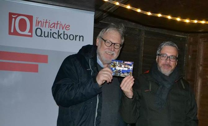 Markus Scheibenpflug (r.) und Reinhard Kuchel stellten die Weihnachtskarte vor