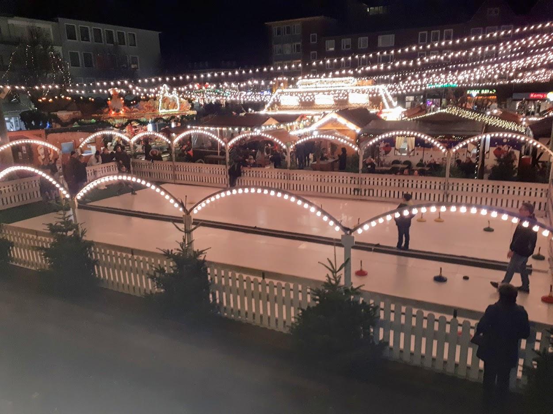 Der SCAE unterstützt das Eisstockschießen auf dem Dürener Weihnachtmarkt