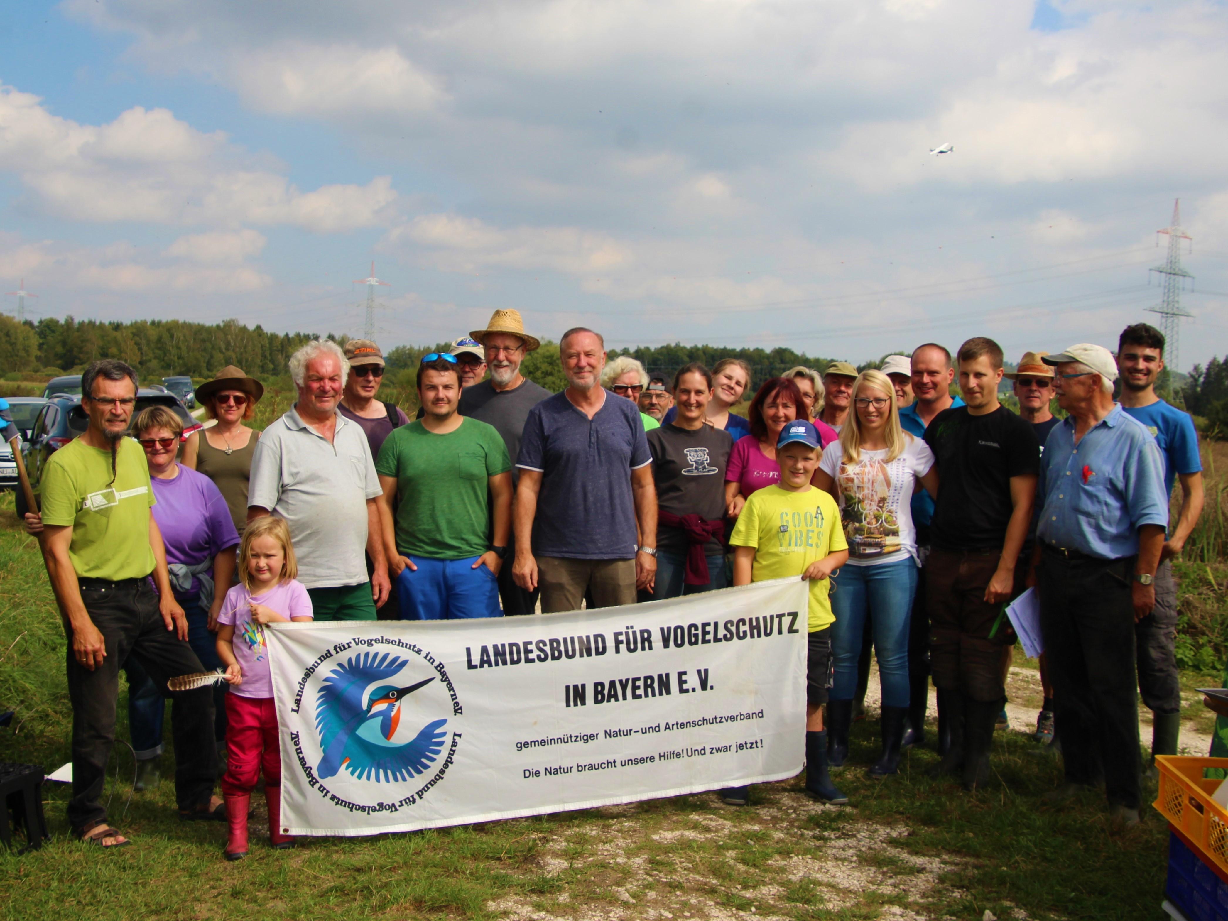 Gruppenfoto LBV Neu-Ulm Biotoppflege Obenhausener Ried