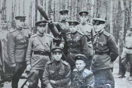 Белов І.І. з парторгами дивізіону