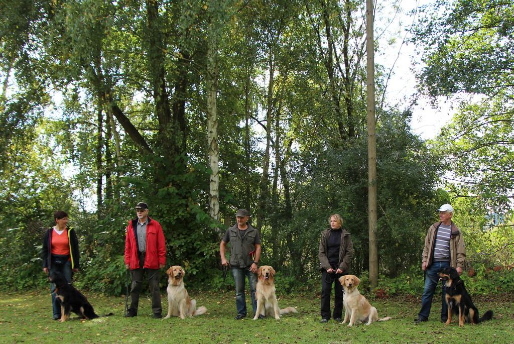 Geschafft - das Gruppenfoto des L-Wurfes (von links: Lea, Larry, Lumpi, Laska und iche)