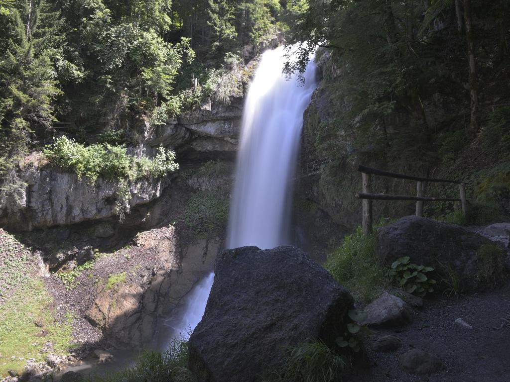 170610_0400-01_Giessbachfälle_schönes Naturspektakel bei diesen Wassermengen