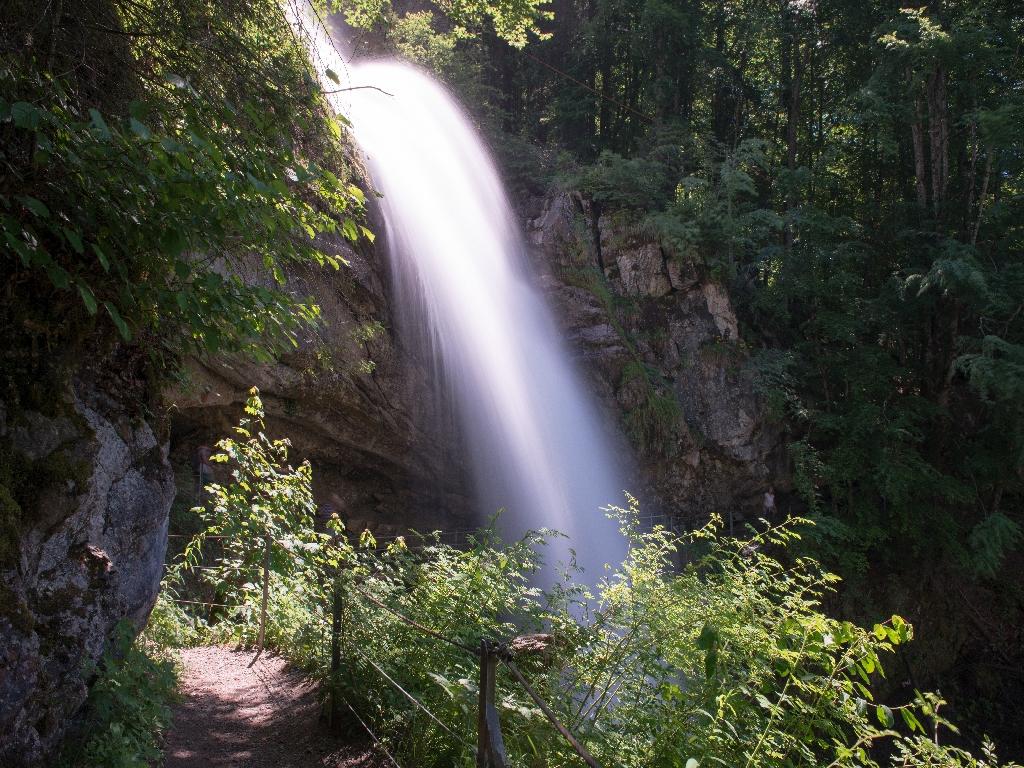 170610_0370-01_Giessbachfälle_schönes Naturspektakel bei diesen Wassermengen