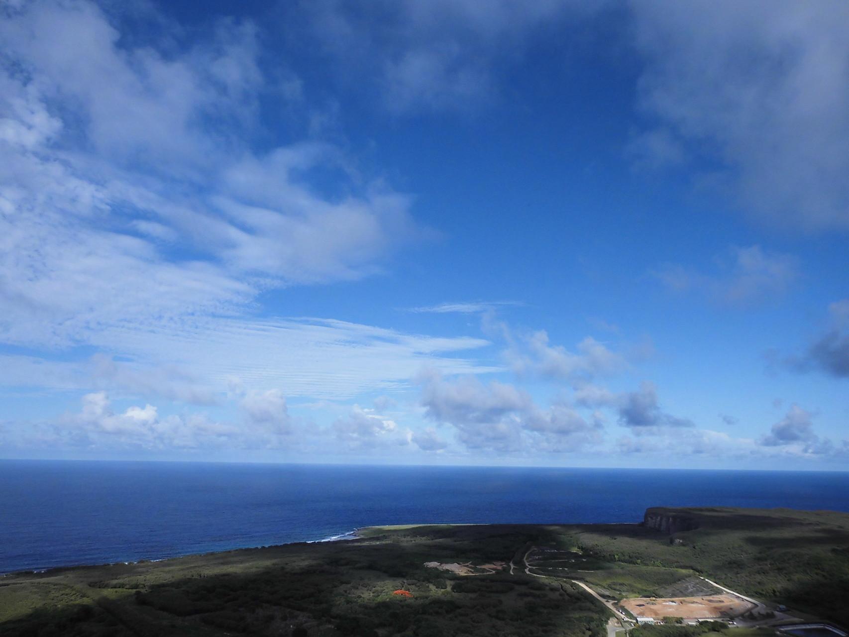 スーサイドクリフから見下ろす太平洋