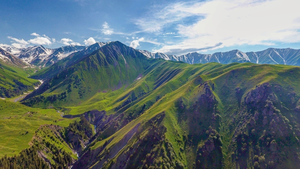 Trekking, Horse Riding, Mountaneering Tours in Southern Kyrgyzstan. Jailoo - summer pasture