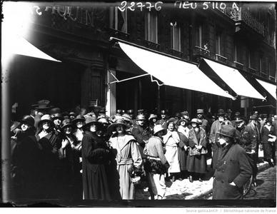 Grève des midinettes (bnf Gallica)