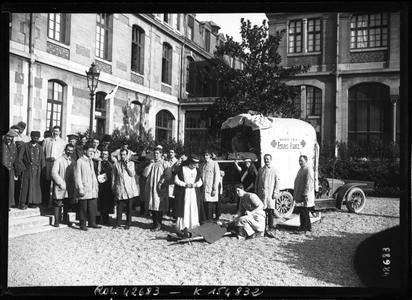 Hôpital Janson de Sailly - Arrivée de blessés (bnf Gallica)