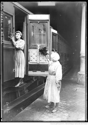 Le travail des femmes dans les trains (bnf Gallica)