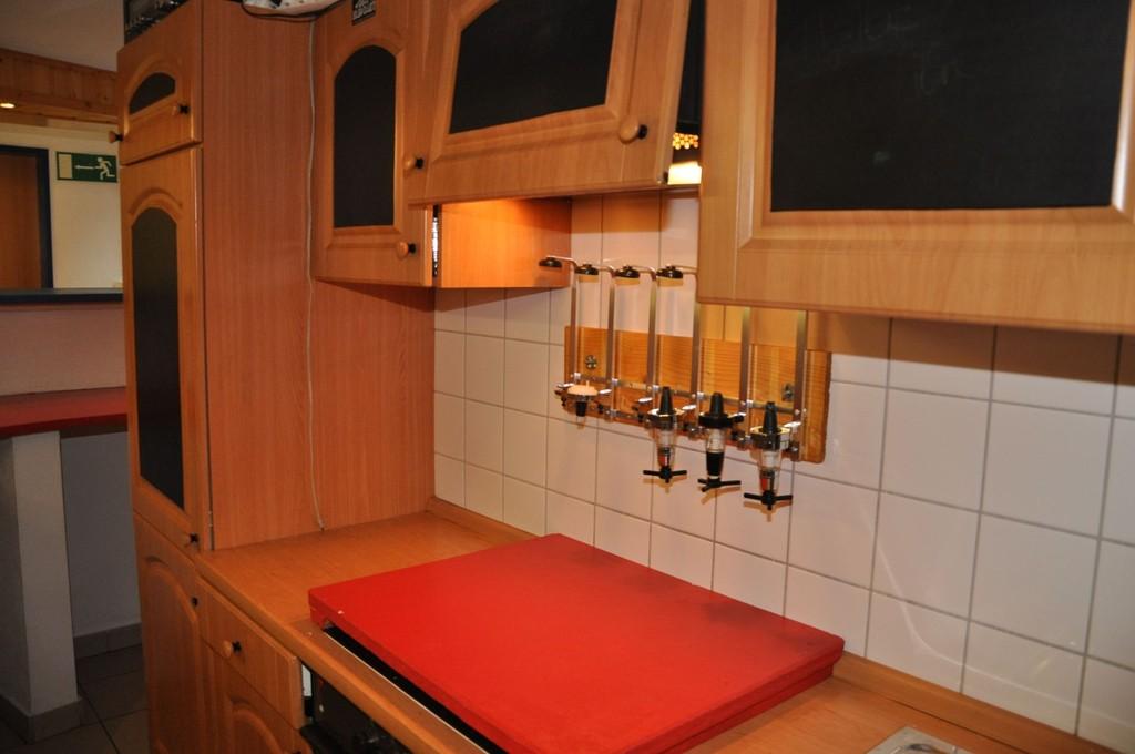 Küche und Bar