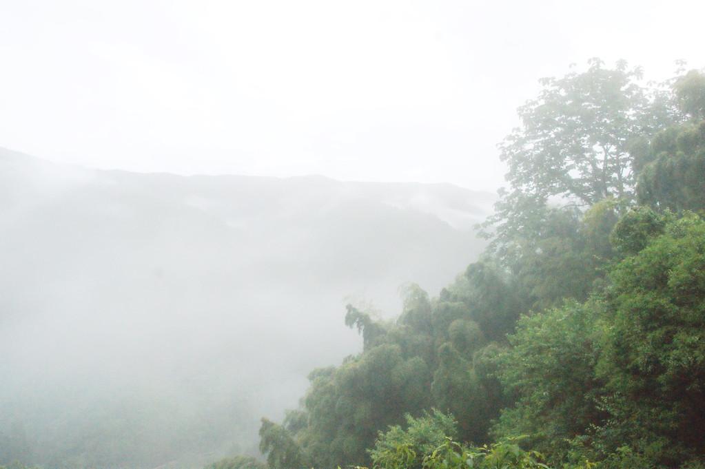 民宿より見る山並み風景 -3