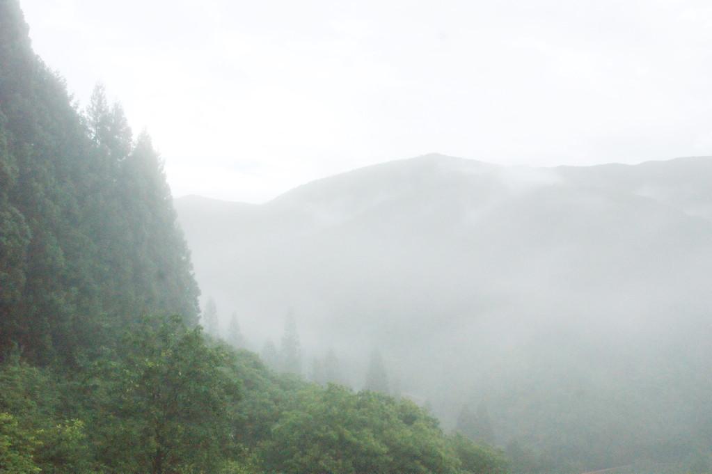 民宿より見る山並み風景 -4