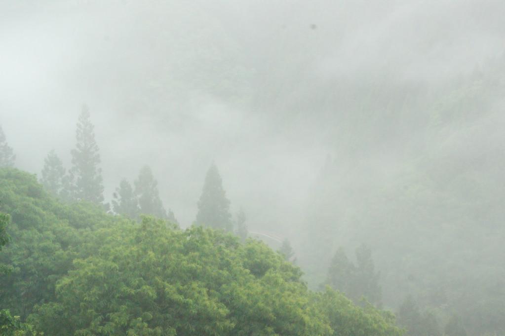 民宿より見る山並み風景 -5