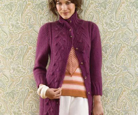 Mantel aus 16-22 Knäuel Rimu Double knit (DK) Farbe R10 Fuchsia (Länge 103 cm - 106,5 cm)