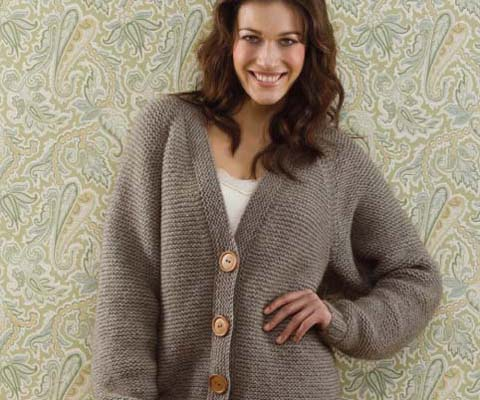 Boyfriend Cardigan aus 14-18 Knäuel Kauri Worsted weight in Farbe K13 Ashen