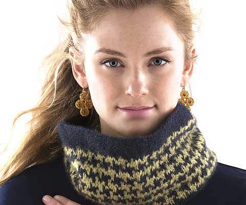 HOUNDSTOOTH COWL- Designed by Ashley Rao