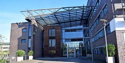 """""""In einem privatrechtlichen Arbeitsverhältnis hätte man vermutlich eine Probezeitkündigung geprüft"""": Die CDU/FDP-Gruppe im Rat der Stadt Garbsen ist nicht gut auf den Stadtbaurat Frank Hauke zu sprechen. Quelle: Gerko Naumann (www.haz.de)"""