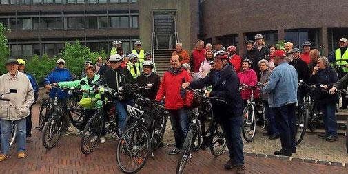 Die Tour zum Büttnergradeln startet am Rathaus in Garbsen-Mitte. Quelle: Privat