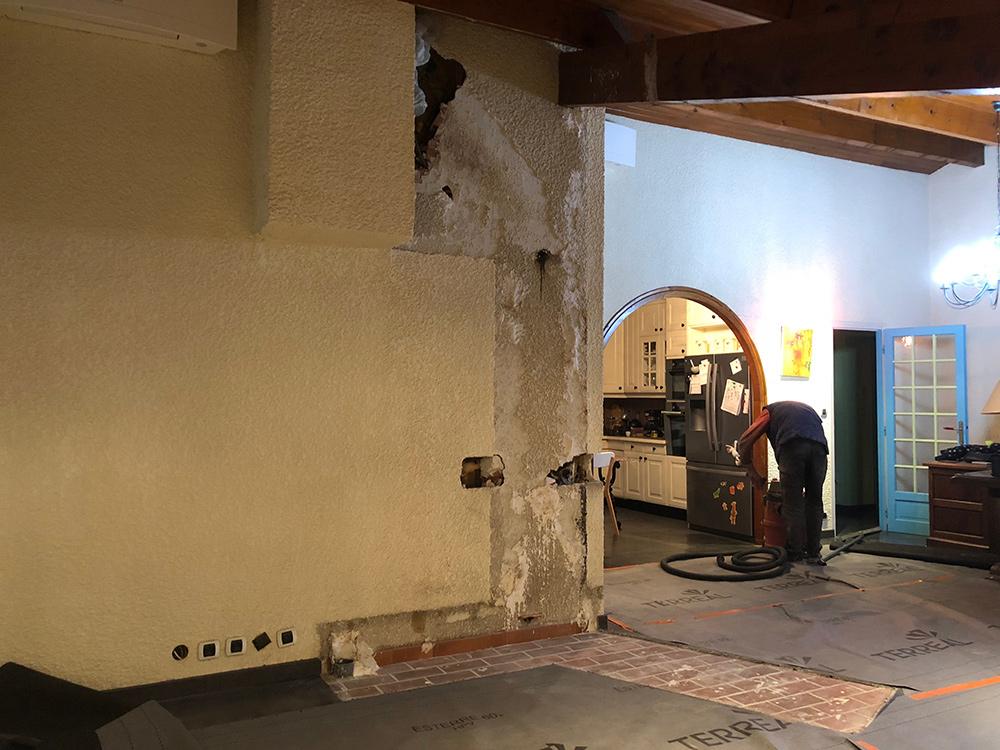 Enlèvement d'une ancienne cheminée - Avant travaux