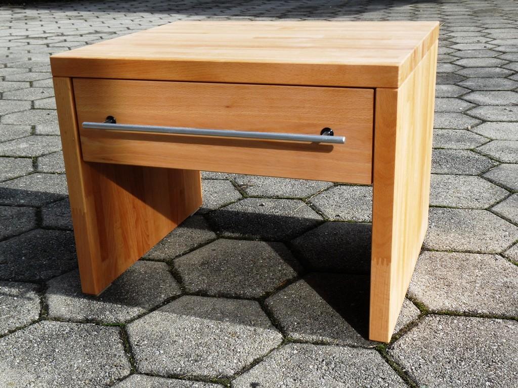 Nachttischli: - Grösse 35x45x38 cm mit 1 Schublade in Birken-Speerholz mit Selbsteinzug