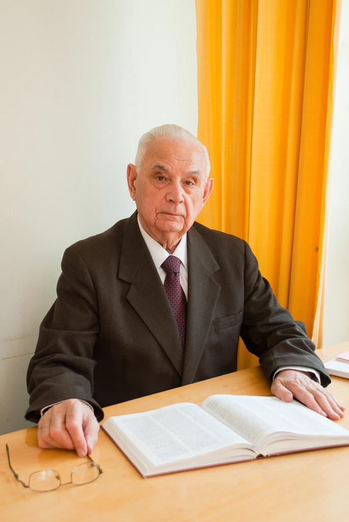 Б.П. Уткин - ведущий научный сотрудник Военной энциклопедии