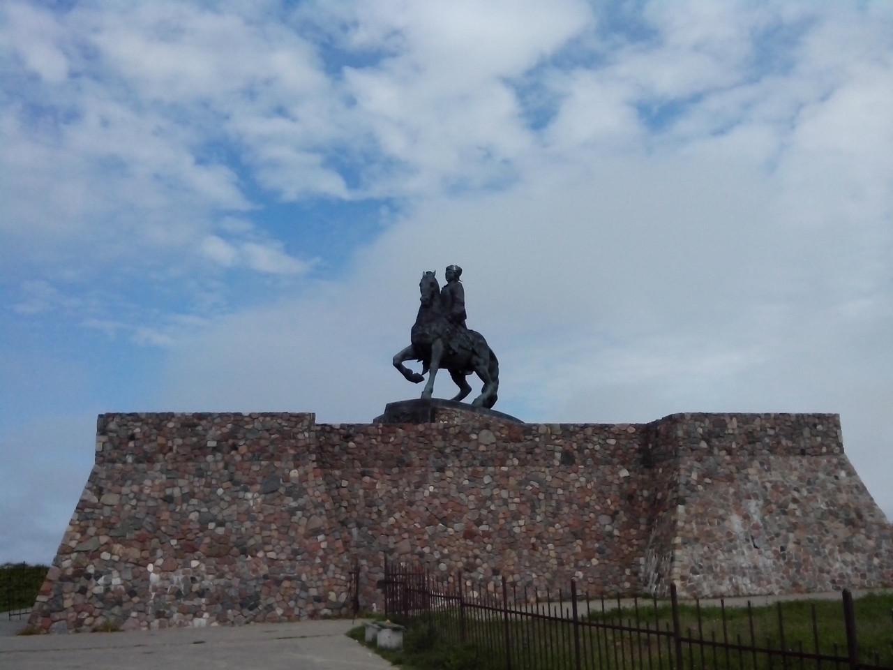 Памятник Императрице Всероссийской Елизавете Петровне. Балтийск