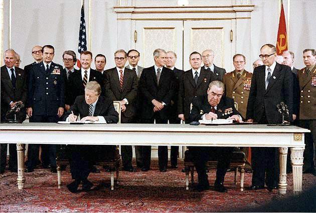 Подписание ОСВ-2 Л.И. Брежневым и Д.Картером, Вена, 18 июня 1987 г.