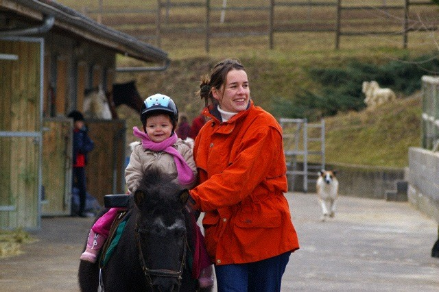 Tour à poney avec Maya