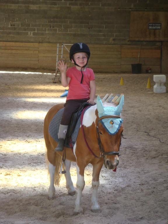 Mon poney et son bonnet :)