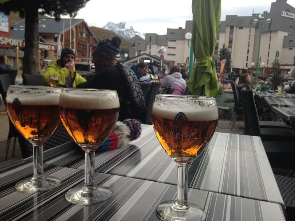 Après le ski, c'est l'heure de la bière !