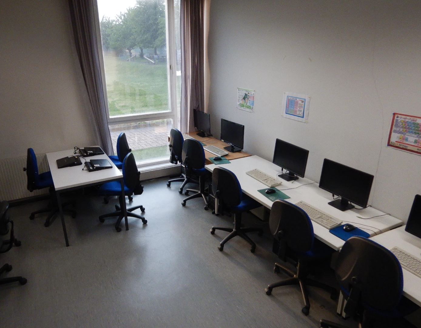 コンピューター室