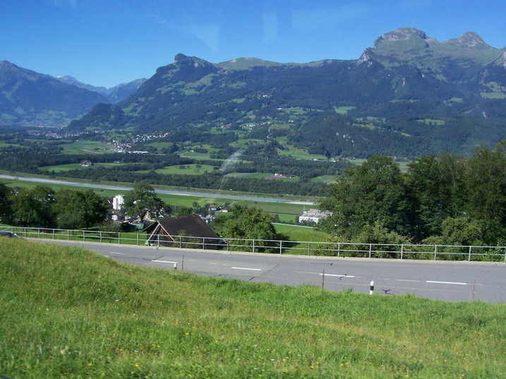 Damenprogramm nach Schaan + Vaduz
