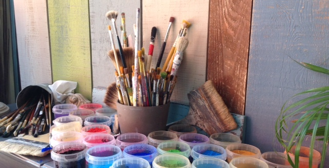 Les pigments sont utilisés autant que possible! Pour teinter les enduits à la chaux, les peintures à l'eau, à l'oeuf, à l'huile...