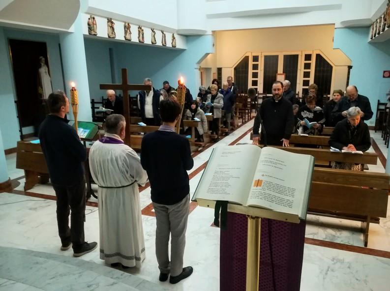 La Via Crucis il venerdì del convegno sulla creazione