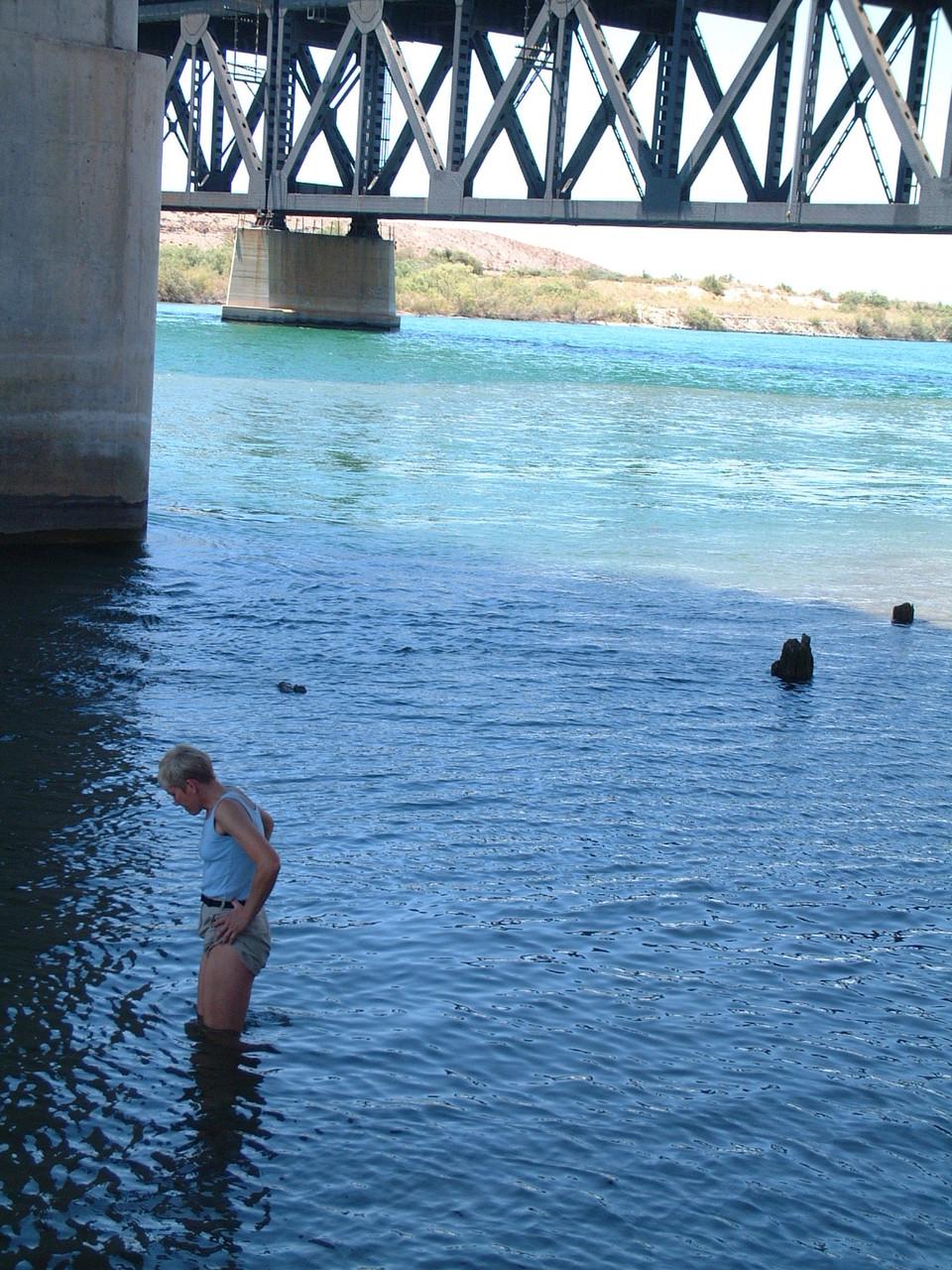 Fussbad im Colorado River