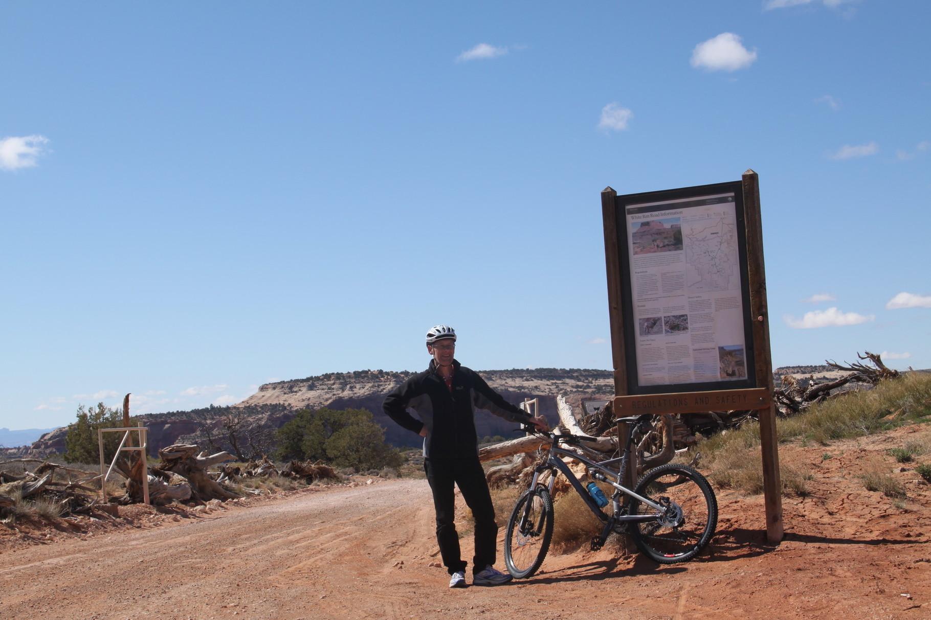 """Hier beginnt der """"Shafer Trail"""" (Canyonlands)."""