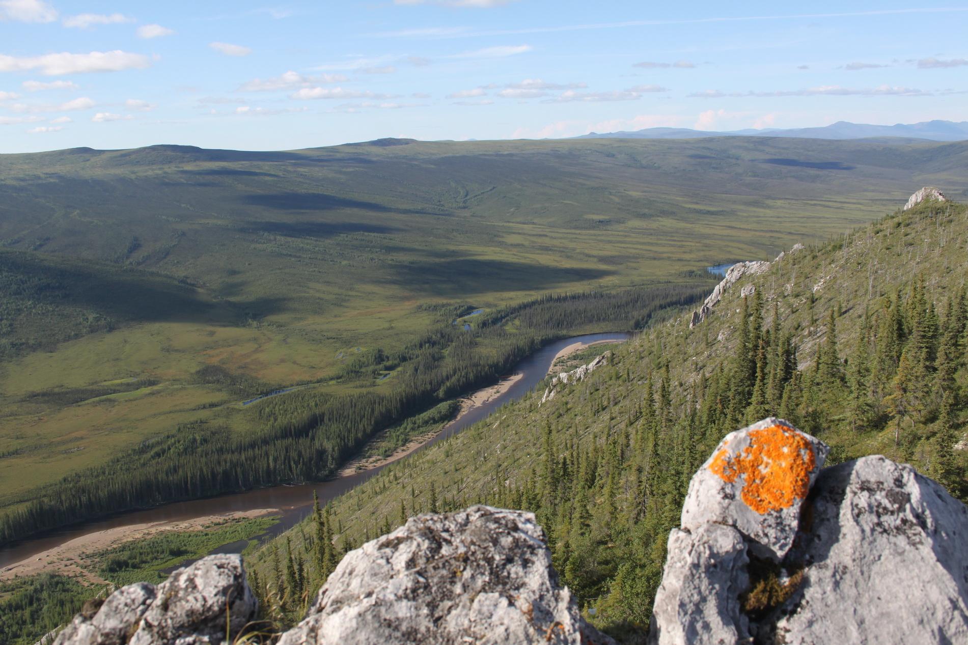 Das war eine anstrengende Bergtour, aber der Ausblick entschädigt.