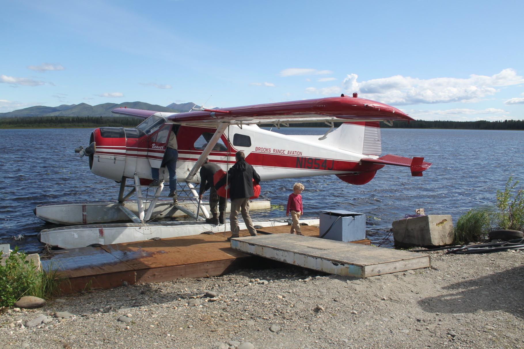 Das Wasserflugzeug bringt uns zum Circle Lake