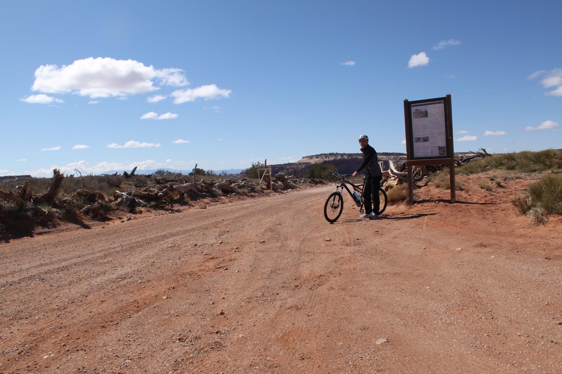 Mein Leih-Mountain-Bike und ich.