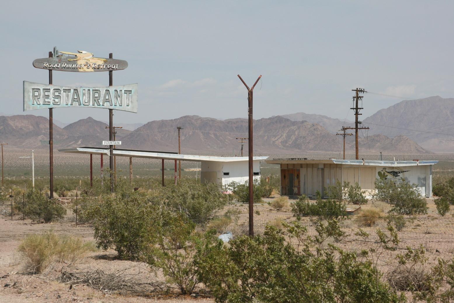 stillgelegte Tankstelle im Nirgendwo