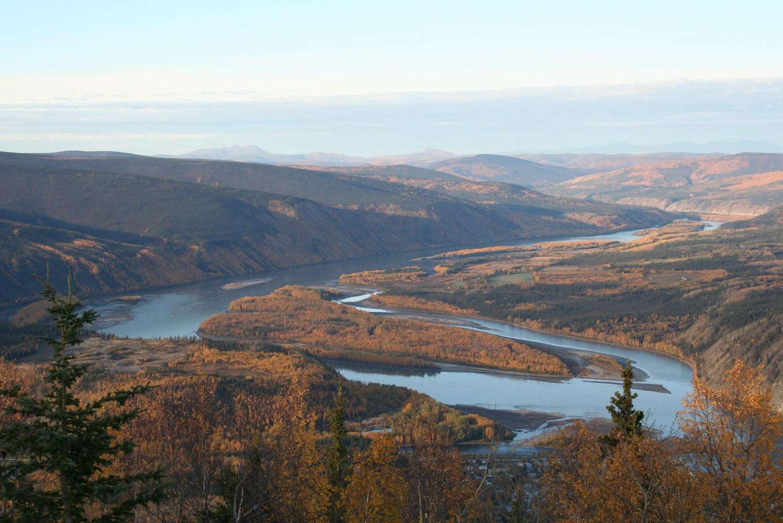 Der Yukon vom Hausberg Dawson City´s