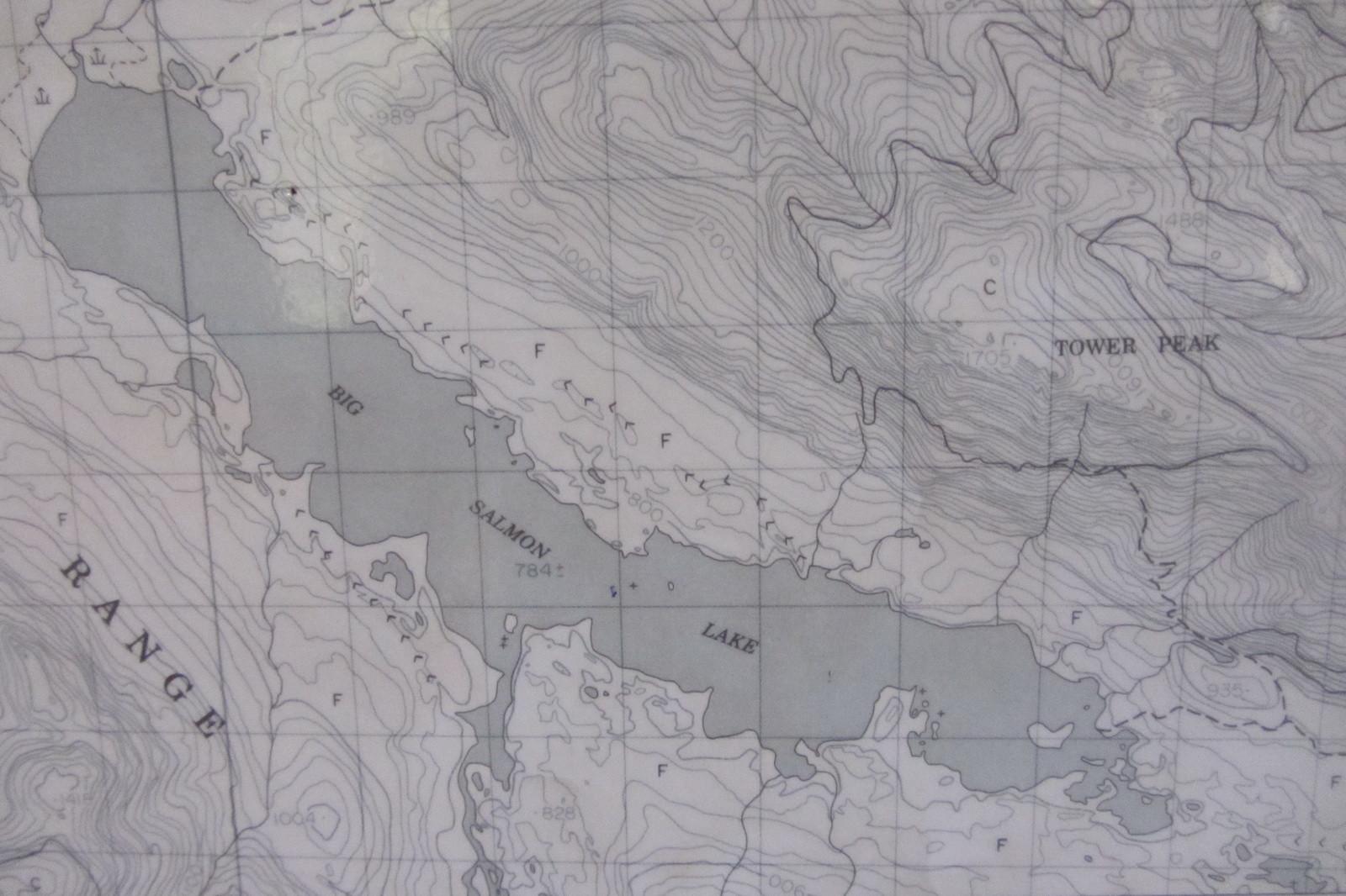 Ganz rechts im See liegt Otter Island