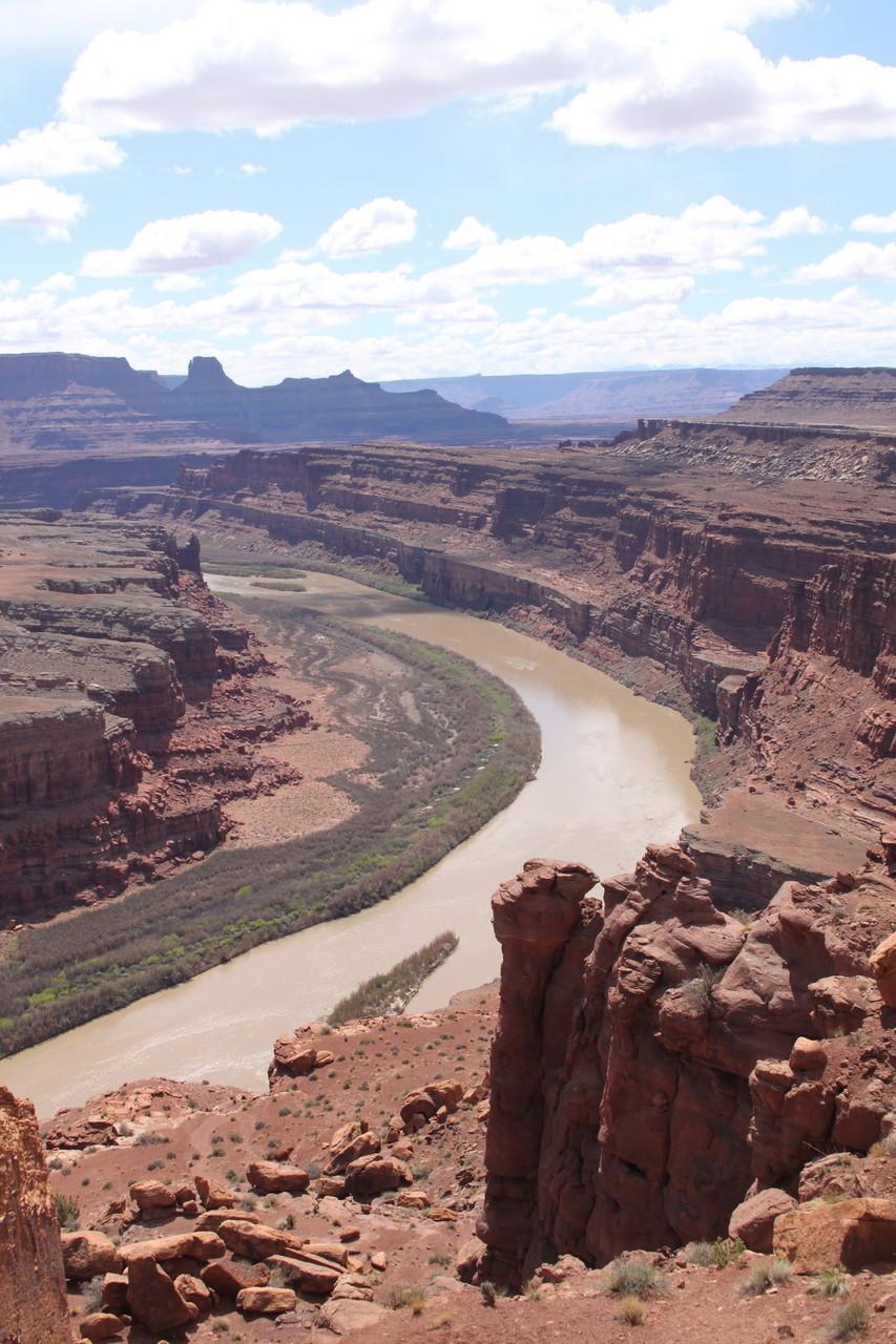 Der Colorado River vereint sich etwa 150 km weiter mit dem Green River.