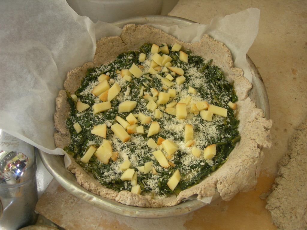 torta di grano saraceno con erbette e formaggio   prima e....