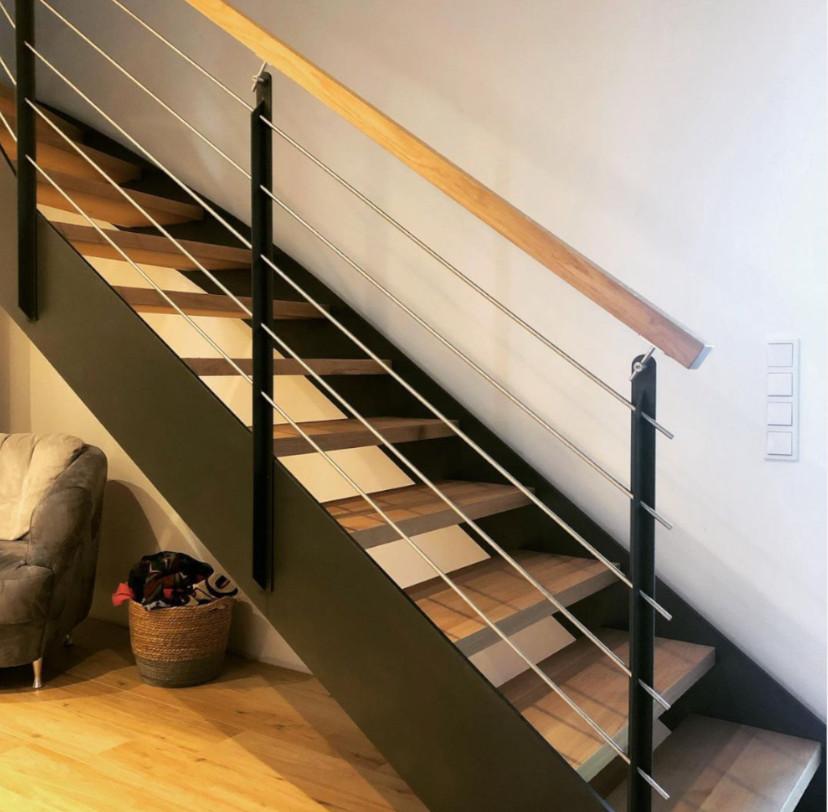 Ausstattung und Details (Holztreppen mit Stahl kombiniert)