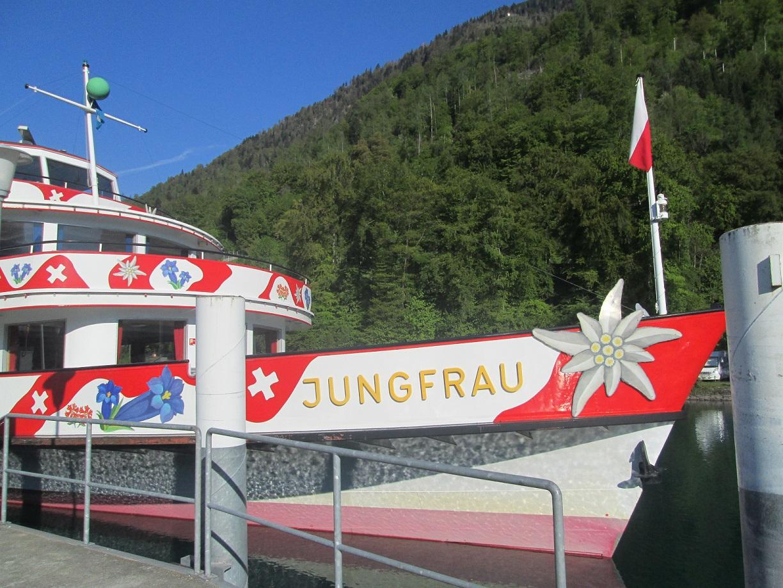Ausflugsschiff auf dem Brienzer See