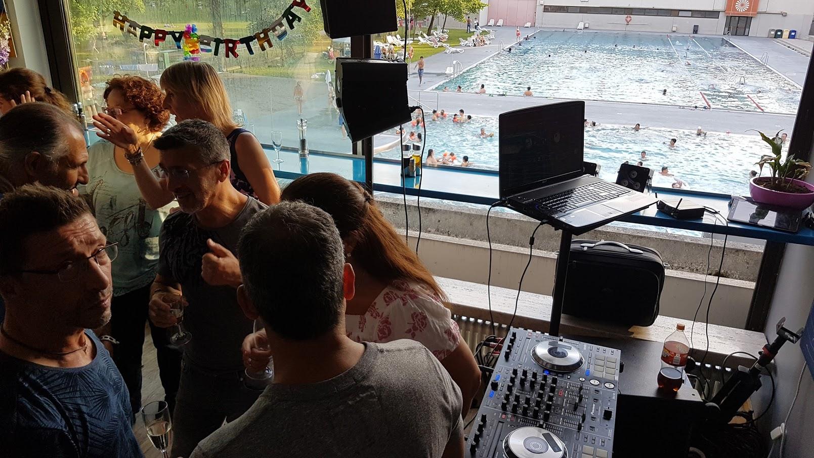 Geburtstagsparty im Schwimmbad