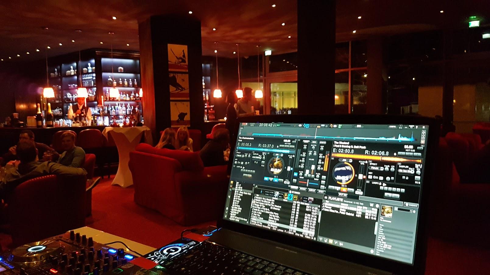 DJ @ Kempinski Smokers Lounge
