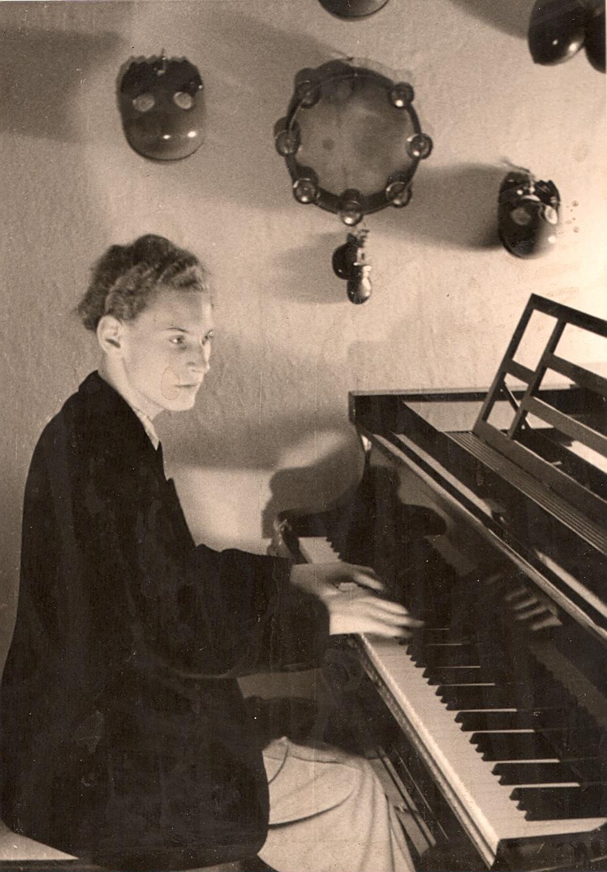 In jungen Jahren am Klavier (1951). Fotocredit: Wolfgang Schlüter