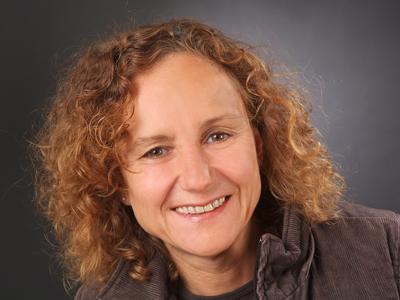 Portraitfoto Petra Schwörer