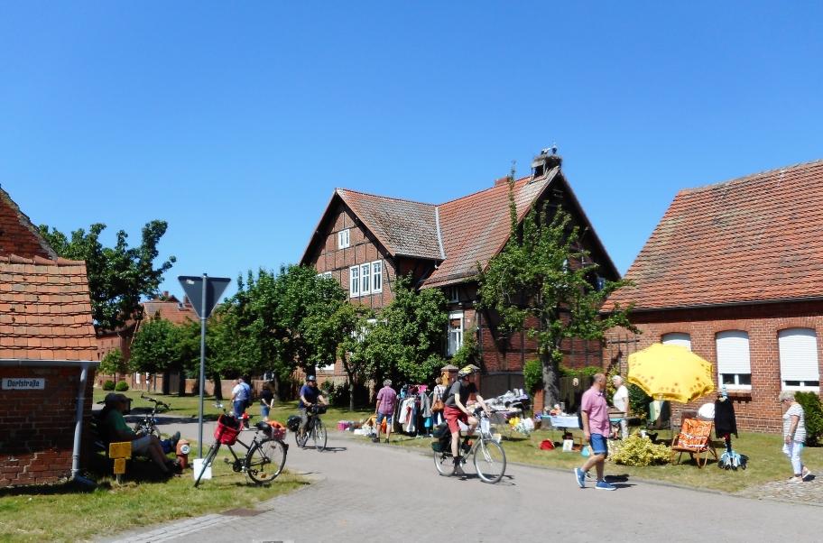 Flohmarkt in Rühstädt am Samstag